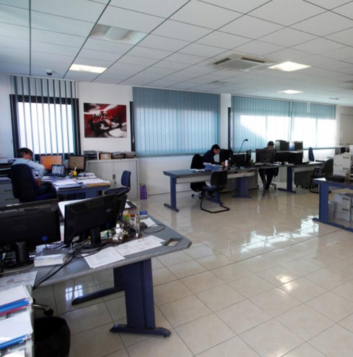 bureau-ordinateur-agence-1